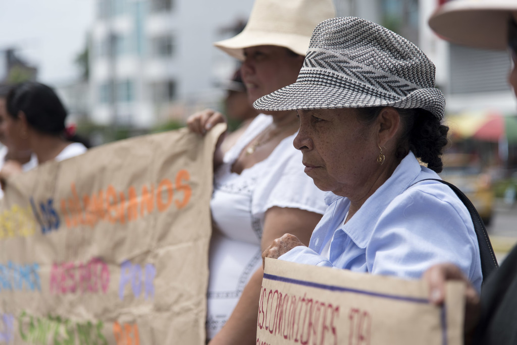Members of the community El Guayabo and El Garzal demonstrate in front of the Palace of Justice on May 4, 2016. They had gathered to support Alvaro García, a El Guayabo community member who was recently arrested.